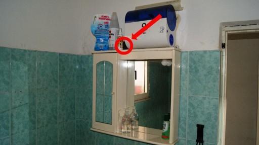 Microcamera nascosta spia il detective - Camera nascosta in bagno ...
